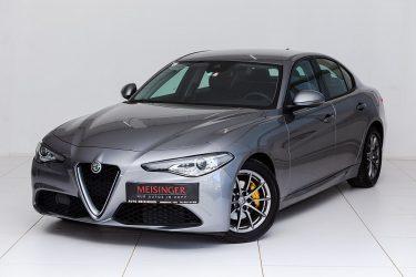 Alfa Romeo Giulia Super 2,2 150 MT RWD bei Auto Meisinger in
