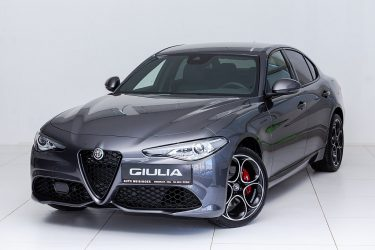 Alfa Romeo Giulia MY20 2.0 280 PS AT8 Q4 Veloce bei Auto Meisinger in