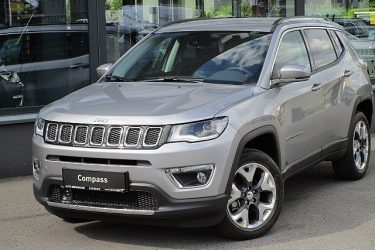 Jeep Compass 2,0 MultiJet AWD 9AT 170 Limited Aut bei Auto Meisinger in