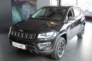 Jeep Compass 1.3 PHEV AT 4xe Trailhawk bei Auto Meisinger in