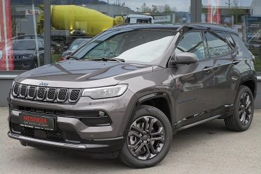 Jeep Compass 4xe PHEV 80th Anniversary bei Auto Meisinger in