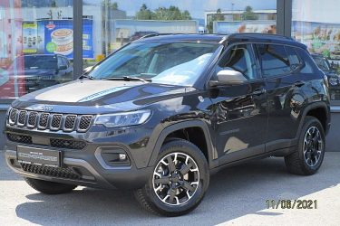 Jeep Compass PHEV 4xe Trailhawk bei Auto Meisinger in